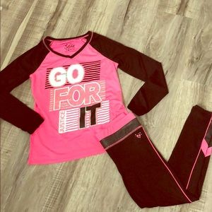Girls 2 pc matching leggings and long sleeve shirt